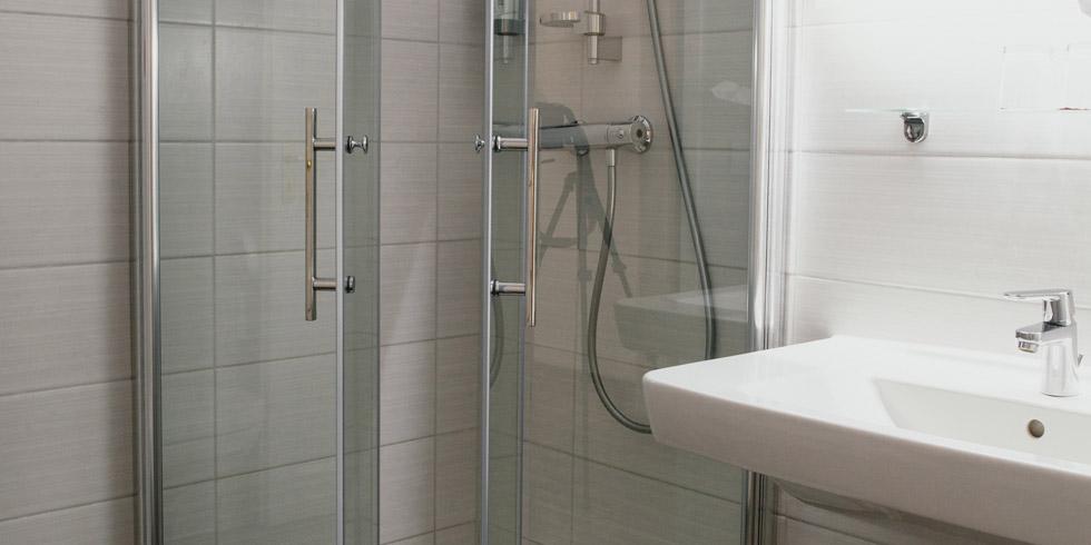 Beispiel-Bad der Zimmer im Neubau